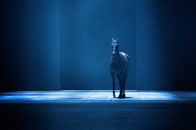Morton Feldman / Samuel Beckett / Romeo Castellucci: Neither, Jahrhunderthalle Bochum, 2014 © Ruhrtriennale, Foto: Stephan Glagla, 2014